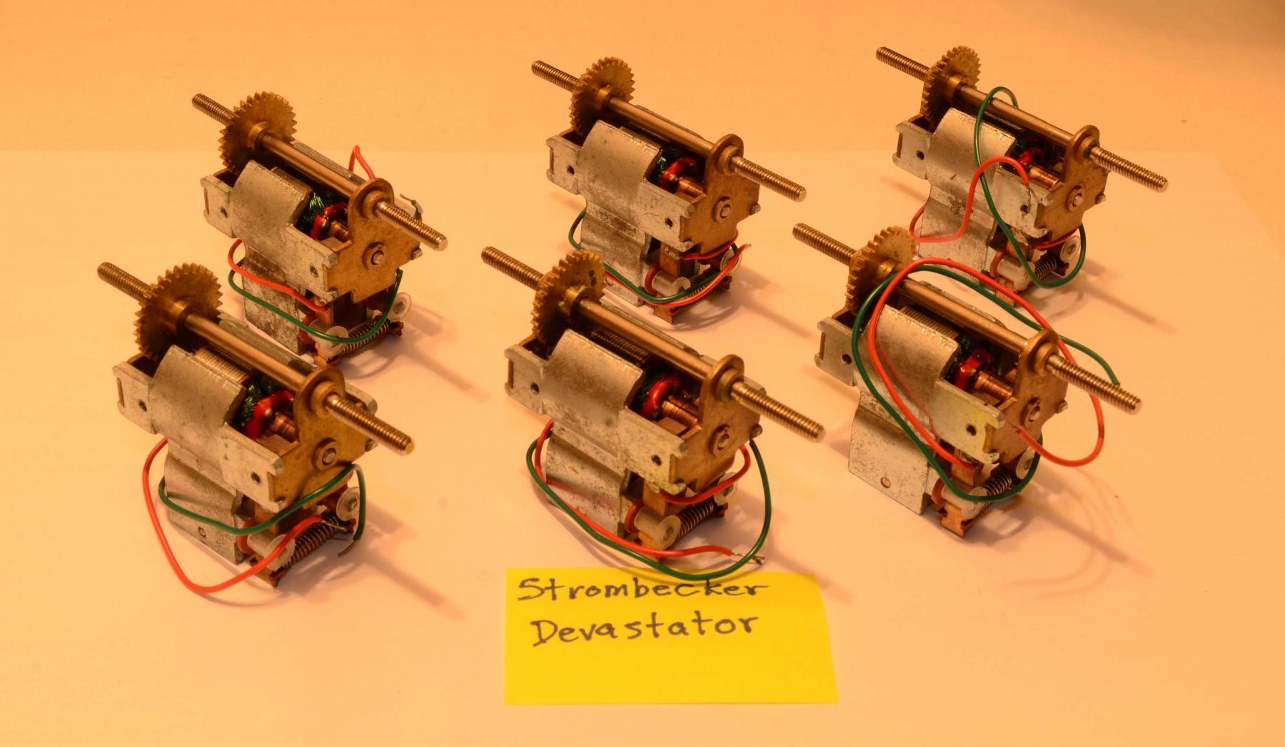 DSC_0435_Strombecker Devastator (six - front).jpg
