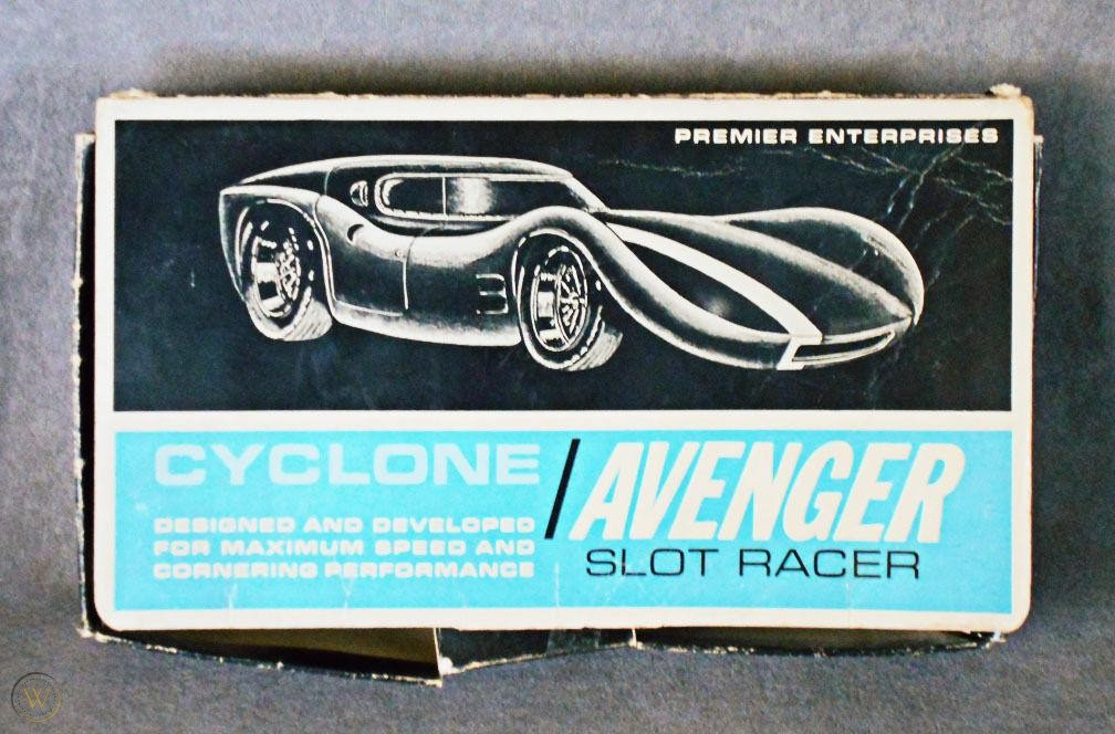 1960s-cyclone-avenger-slot-car-toy_1_faa4f56f7c775e8b7378921b34fcacd8.jpg