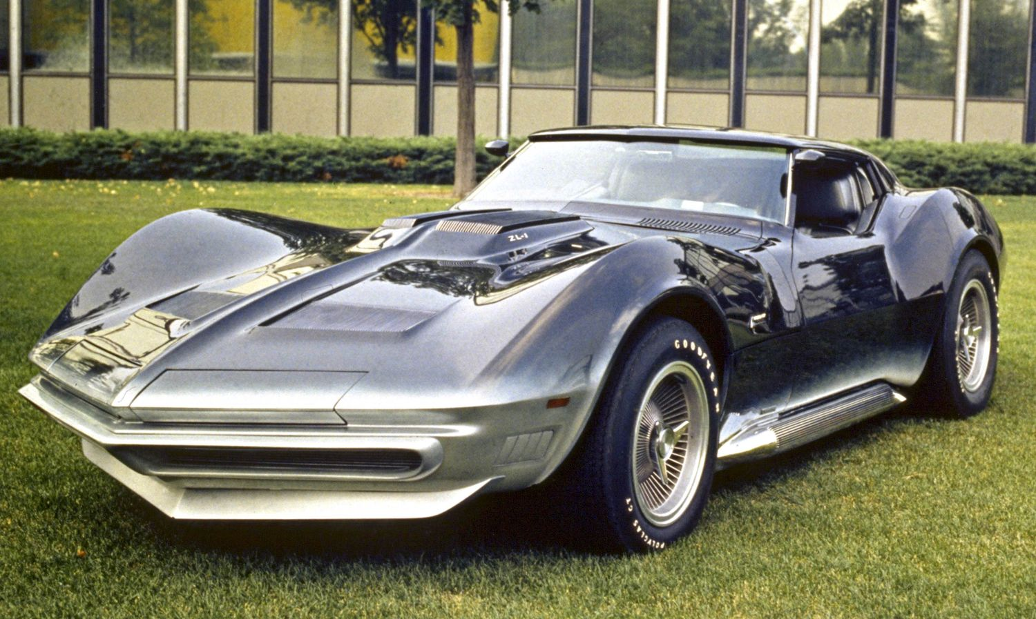 1965CorvetteMantaRay_1500.jpg