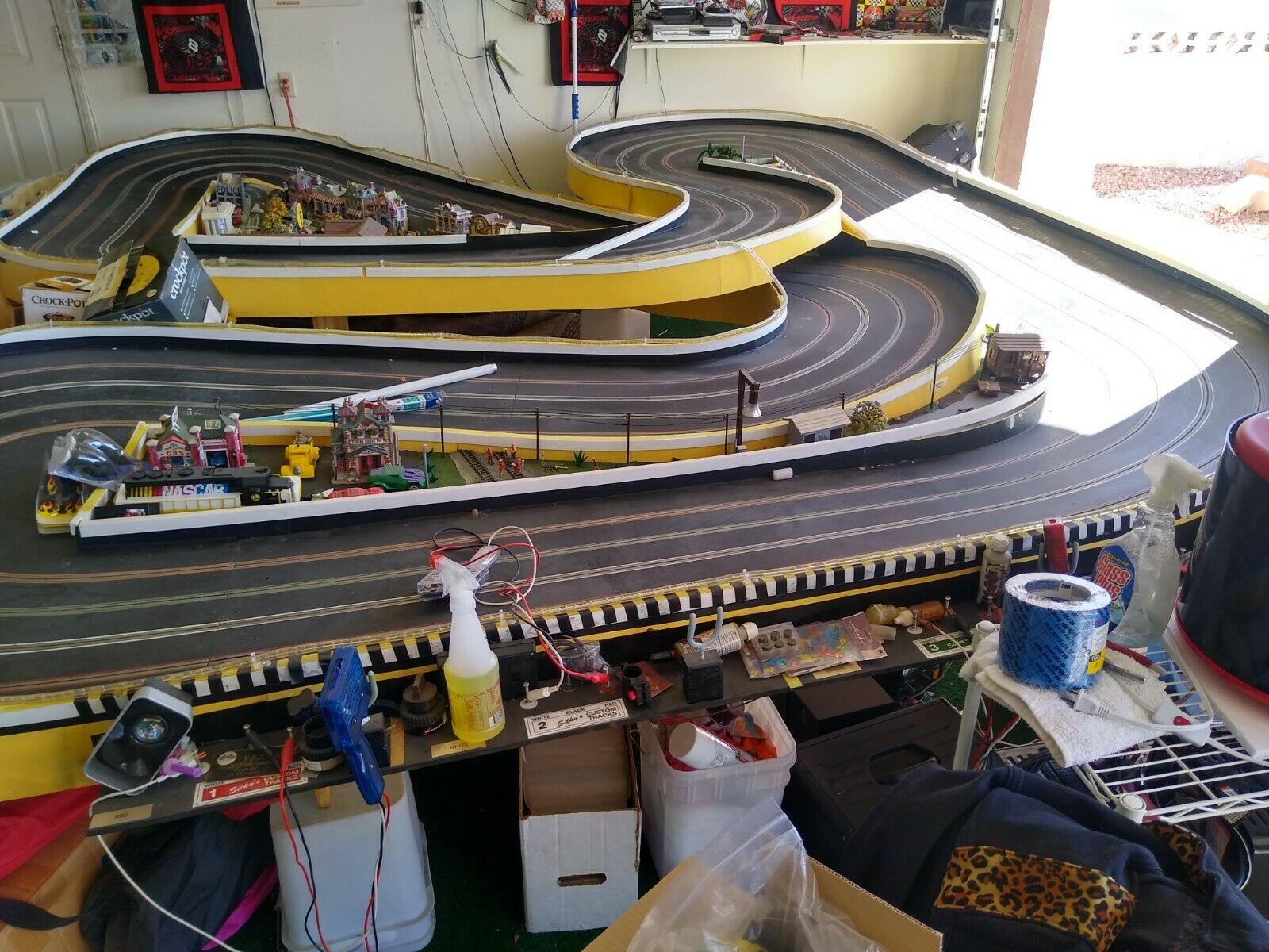 4 lane track Vegas.jpg