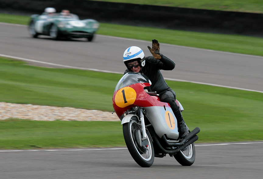 john-Surtees-and-MV-Goodwood-Revival-2010-image-credit-PSParrot.jpg