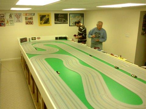 Routed vs Tomy plastic track - HO Vintage Cars - Slotblog