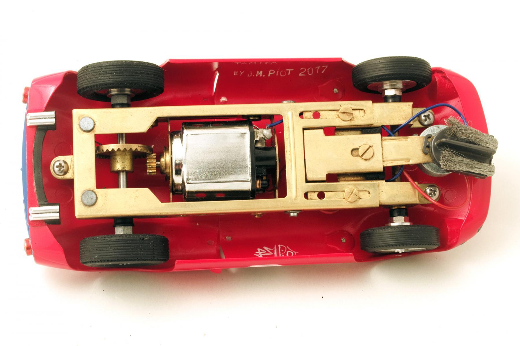 Ferrari-365-P2-Tamiya-012.jpg
