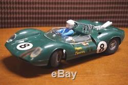 Lotus-40-Slot-Car-COX-1-24-Vintage-Toy-Racer-02-jj.jpg