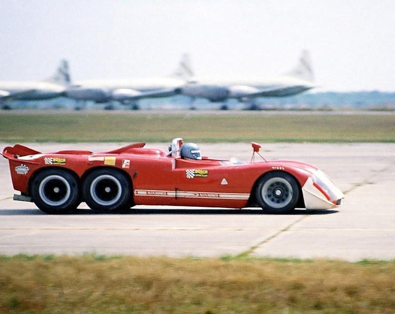 Alfa-Romeo-6-wheel-Project-Sebring-70.jpg