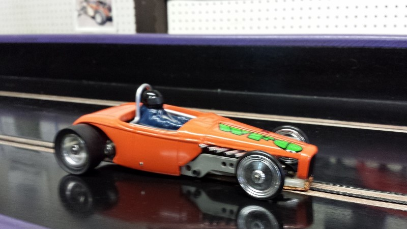 Dave Cummerow Orange '32 ford roadster A Altered on track (800x450).jpg