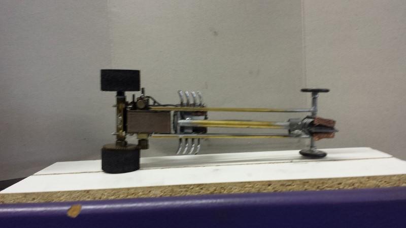 Brass chassis Kemtron2 Johnny MAC (800x450).jpg